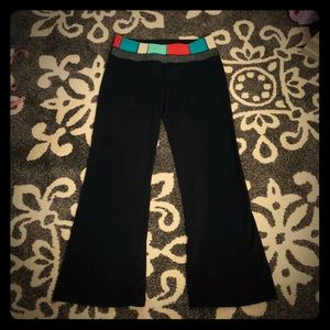 Lululemon Flared Black Yoga Pants W/Colorful Top:8